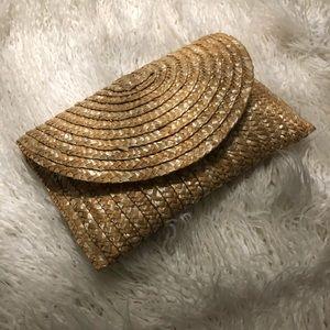 Trendy raffia envelope clutch